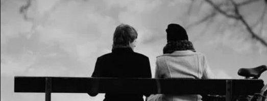 تفسير حلم رؤية شخص تحبه وهو بعيد عنك المرسال