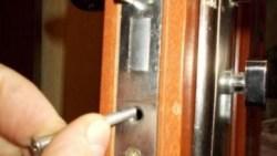 تفسير تصليح الباب في المنام للعزباء