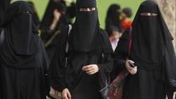 تفسير حلم نساء لابسات عبايات في المنام