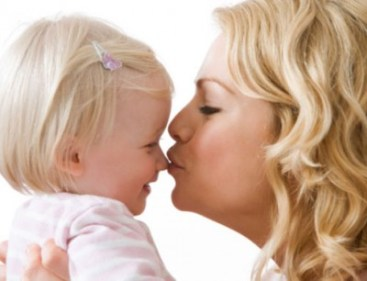تفسير حلم تقبيل ابنتي في المنام
