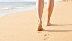 تفسير حلم المشي على التراب للعزباء في المنام
