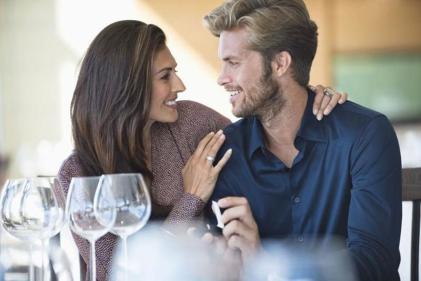 افكار رومانسية لاستقبال الزوج المسافر