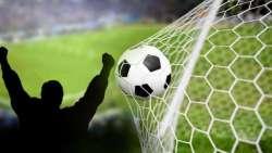 تفسير حلم اللعب كرة القدم والفوز بها في المنام
