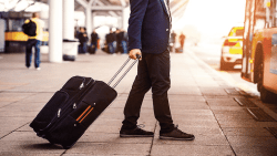 تفسير حلم ضياع حقيبة أو شنطة السفر في المنام