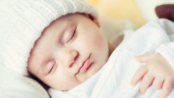 تفسير حلم ولادة المرأة حامل بولد جميل في المنام