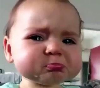 تفسير حلم طفلة صغيرة تبكي في المنام