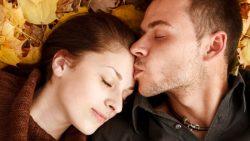 تفسير حلم رؤية حبيبي يقبلني في المنام