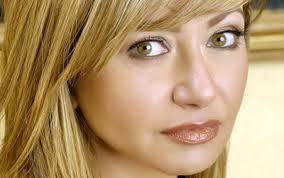 ليلى علوي توضح حقيقة طلاقها من رجل الأعمال منصور الجمال