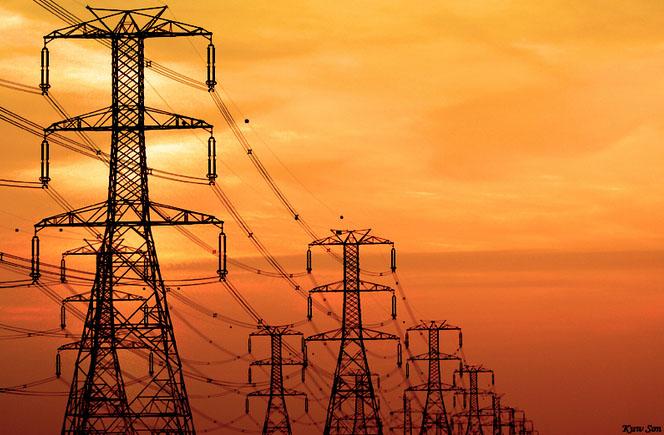 سقوط أبراج يتسبب في انقطاع الكهرباء بالجزيرة - النيلين
