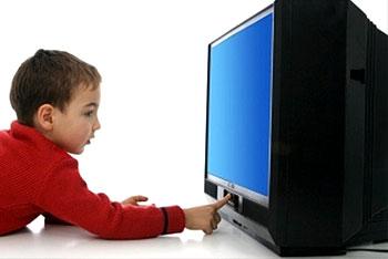 تلفاز طفل يشاهد تلفزيون