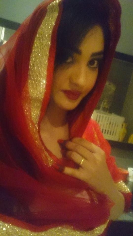 المذيعة تسابيح خاطر في ليلة زفاف أختها
