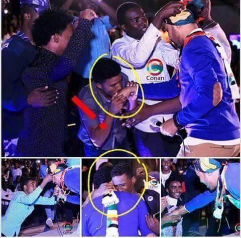 في ظاهرة أثارت العديد من ردود الأفعال..الجماهير تحتشد وتقبل يد المطرب السوداني أحمد الصادق