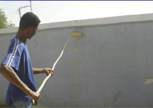 سواعد طلابية تعمرّ منزل والي شرق دارفور