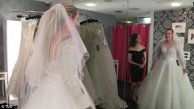 رجل يكتشف سرا أخفته ابنته العروس لسنوات2