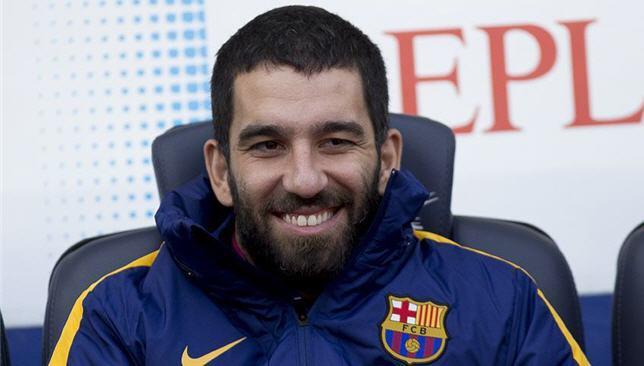 """توران يُثير غضب جماهير برشلونة.. ويُشعل """"تويتر"""" بهذه الصورة!1"""