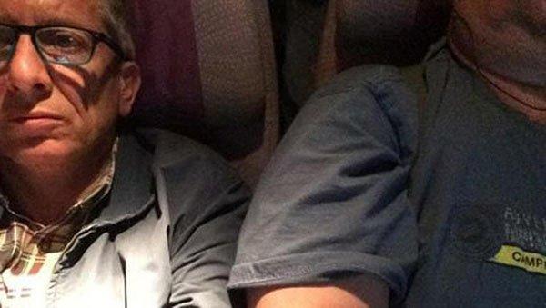 محامٍ إيطالي يقاضي طيران الإمارات لحصوله على مقعد بجانب رجل بدين