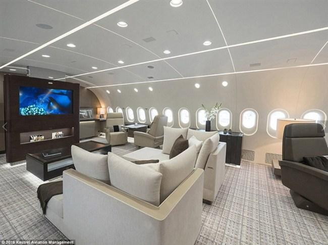 أفخم طائرة خاصة في العالم5