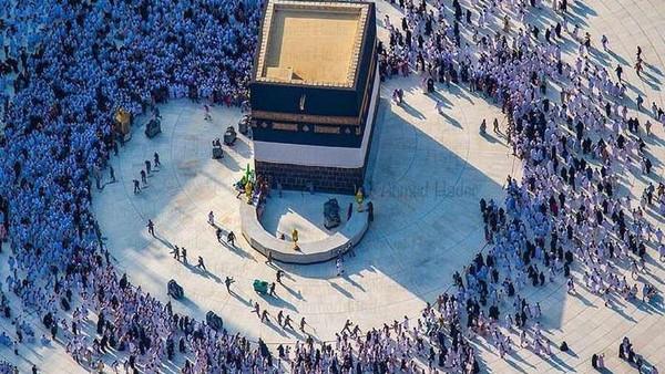 صورة عجيبة في الحرم المكي -  مكة - الحج