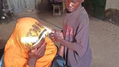 Photo of شاهد بالصور.. (مليونية 30 يونيو) بالسودان تعيد طفل لأهله بعد أن ضاع منهم لفترة طويلة وأصبح متشرد