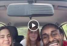 "Photo of شاهد بالفيديو.. فاتنات أوروبيات يرقصن ويرددن مع مواطن سوداني بأوروبا الأغنية الشهيرة ""نركب الكركابة"" ومتابعون: (من أبرز فوائد السمبك)"