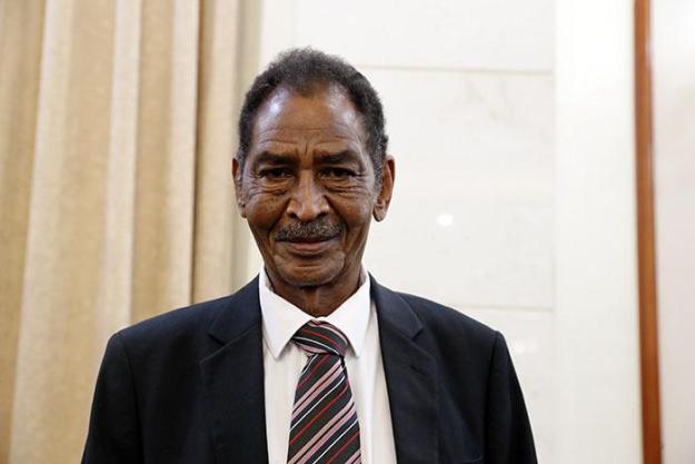 وزير الزراعة الطاهر إسماعيل