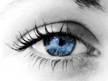 هل التواصل بالعين وسيلة فعالة للإقناع؟