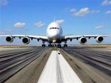 العالقون بالطيران المدني ينفذون وقفة احتجاجية