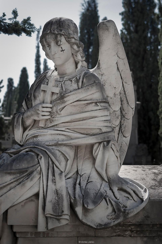 Escultura del Ángel de la Guarda