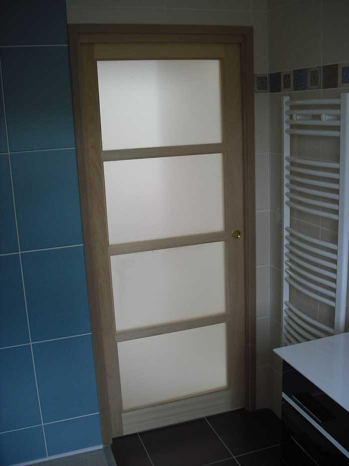 porte vitre a galandage pour salle de bain