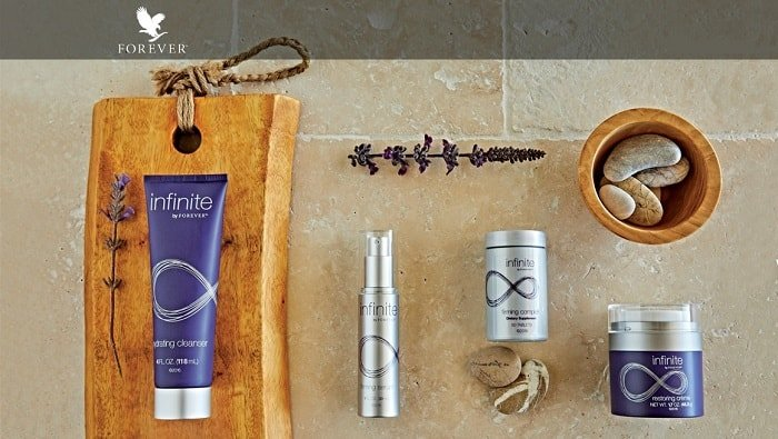 Infinite By Forever – Kit viso per la bellezza da dentro e fuori
