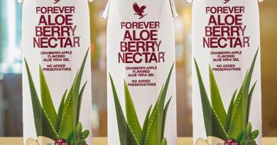 Tripack Aloe Berry Nectar prodotto con logo