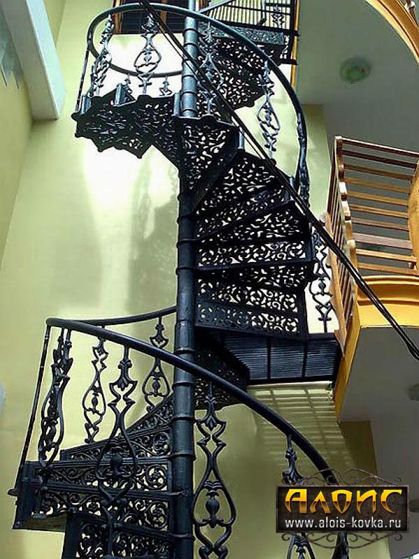 Кованые лестницы в дом от производителя фото