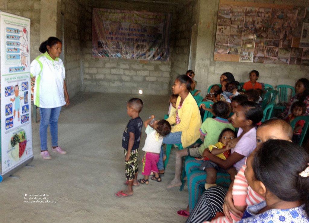 Pic. Membru Fahe informasaun, suku Liurai, aldeia Fatulumau - Copy