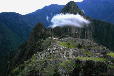 Wolke über Macchu Picchu