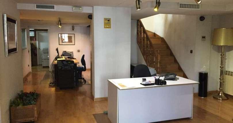 Impresionante oficina a cinco minutos de plaza castilla.