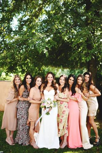 Why I didn't have bridesmaids: answering the frequently asked question about my decision about not having bridesmaids via A Lo Profile.