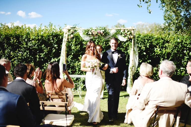 Tips on how to choose your officiant for your wedding via A Lo Profile.