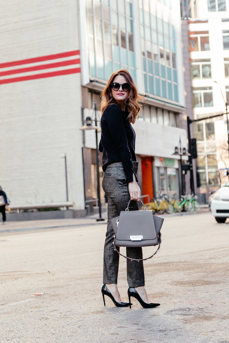 Metallic in the workplace: Dallas blogger sharing how to wear metallics at work, tips for how to style metallics for work, and a roundup of the cutest work-friendly metallic clothing and accessories. #metallic #workwear #loft #workoutfit