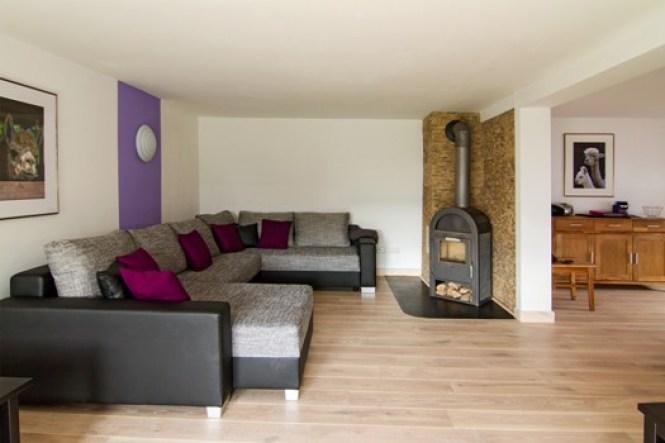 Wohnzimmer Mit Kaminofen Gestalten Und Duchgang Zum Esszimmer Wohnlandschaft
