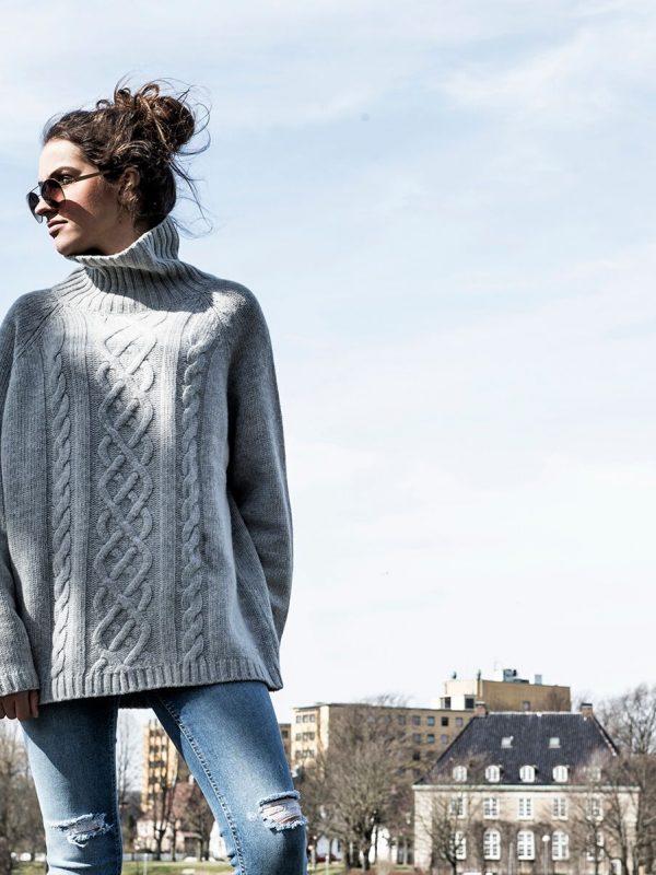 Dehn Design Loreta genser på salg til tidenes laveste pris! Begrenset lager- kjøp nå! Se flere flotte julegaver, gavetips, gave til henne, eller deg selv?