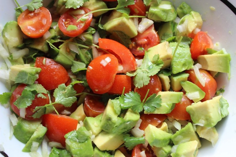 guacamole, raw food, a healthy diet