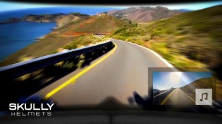 Blick nach vorne frei – und Blick zurück via Display. Das ist die Technologie des Skully AR1