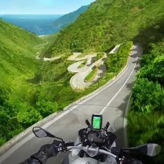 TomTom-Rider-410-Lifestyle_01-325-1