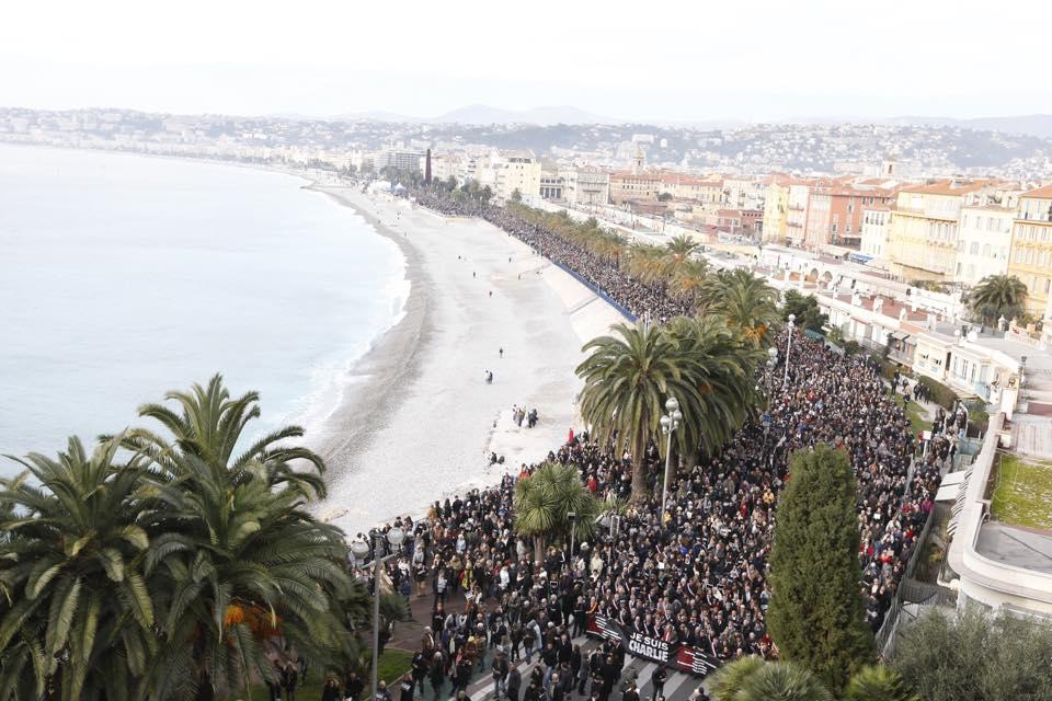 Des dizaines de milliers de personnes rassemblées à Nice pour rendre hommage aux victimes des attentats terroristes