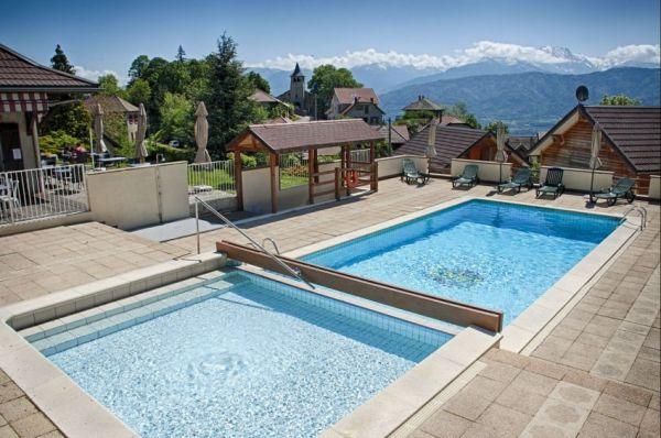 hotel avec piscine chartreuse