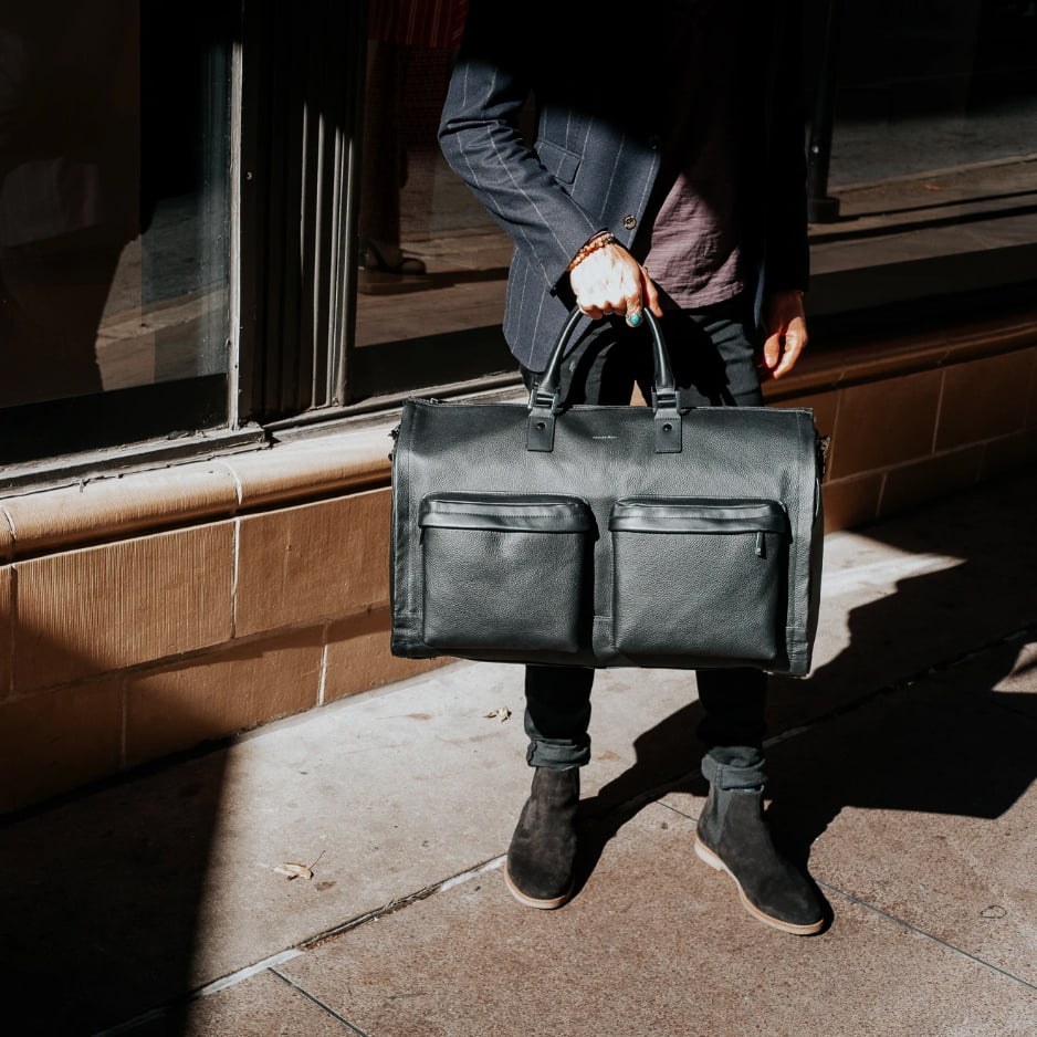 Hook and Albert Garment Weekender bag