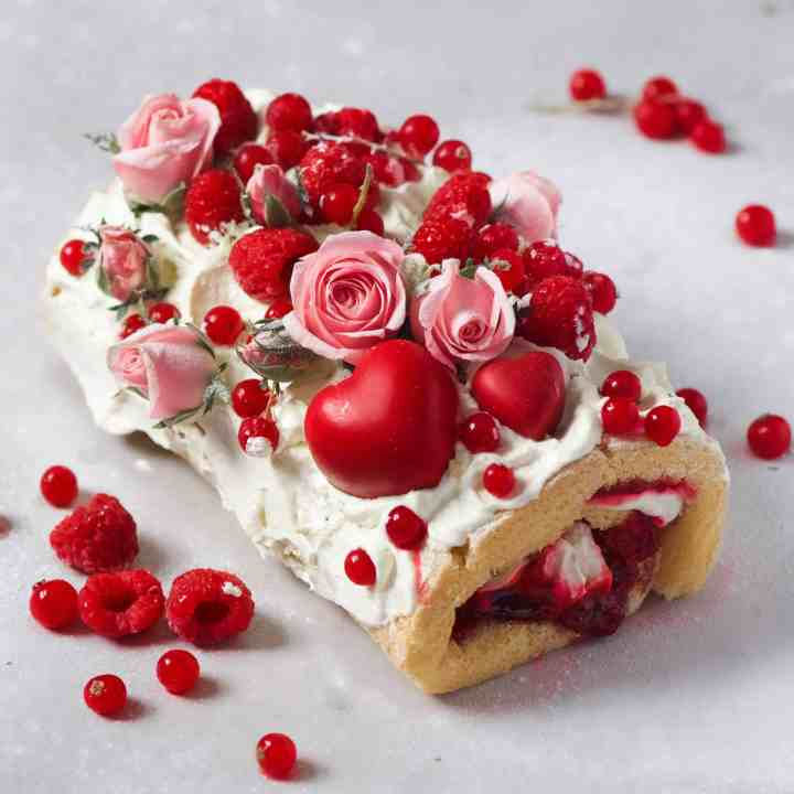 Raspberry and Lemon Swiss Roll
