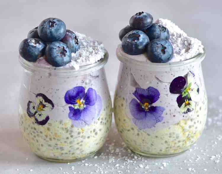 blueberry Overnight oats and blueberries in a jar