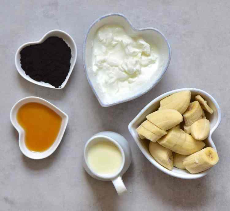 Black cacao smoothie ingredients