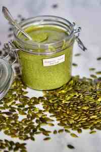 A delicious, Vegan one ingredient homemade Pumpkin seed butter recipe with flavoured pumpkin seed butter options, health benefits of pumpkin seeds and pumpkin seed butter uses!